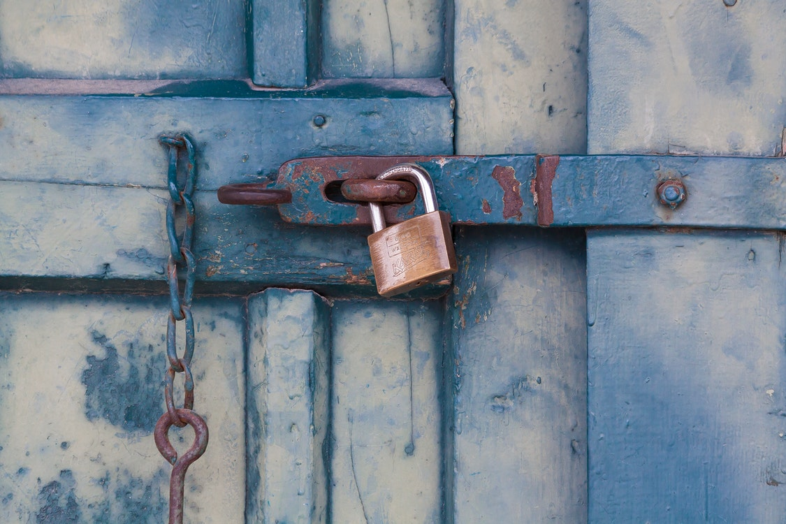 Professional Locksmiths – A Closer Look at the Many Essential Services They Offer