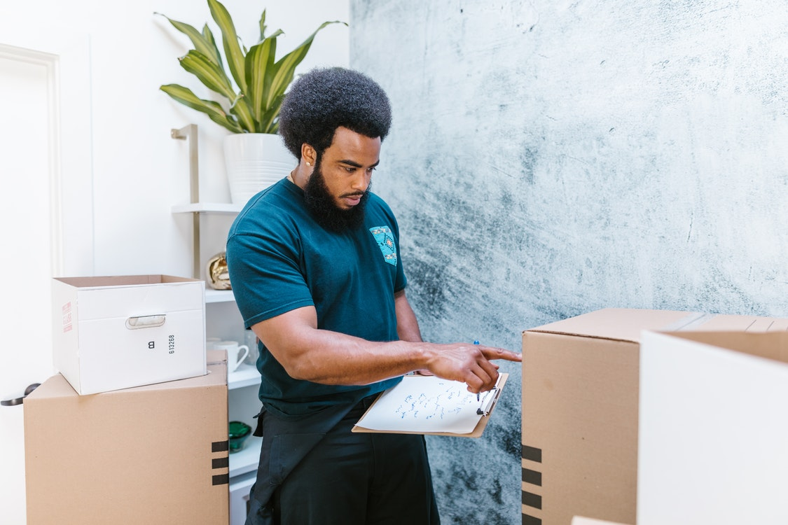 Why Hiring an Expert Moving Team Should Be at the Top of Your List of Priorities